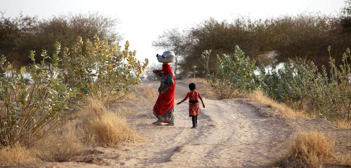 Femmes bishnoïs dans le désert.
