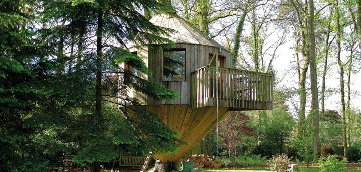 chalet cabane perch e en for t de fontainebleau. Black Bedroom Furniture Sets. Home Design Ideas