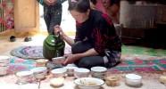 Repas en yourte chez les familles nomades