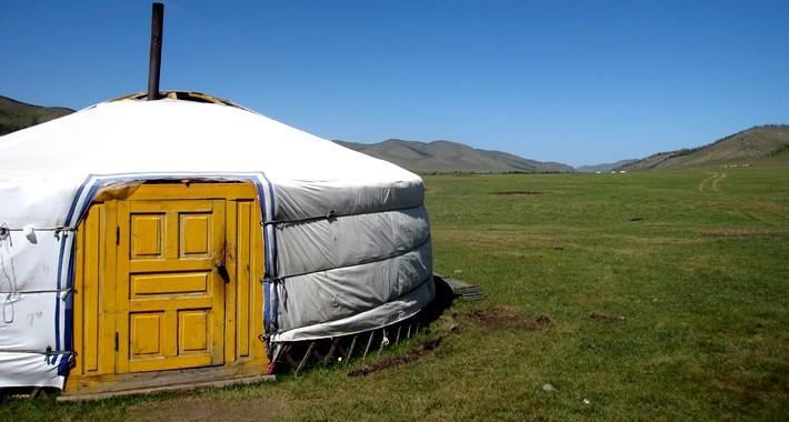 A cheval en mongolie la grande chevauch e mongole for Meuble yourte